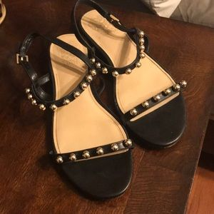 Vince camuto like new black and gold sandals